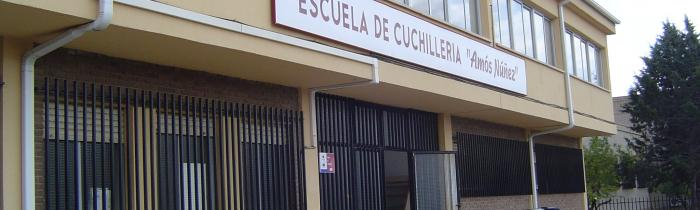 """Escuela de Cuchillería """"Amós Núñez"""""""